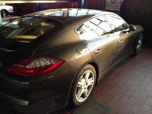 Porschefahrzeug Panamera Wartung Inspektion Berlin Unfallschaden Beseitigung