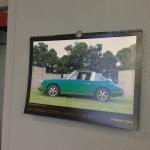 Porsche Owners Club Kalender hängt in der Freiheit 22, 13597 Berlin