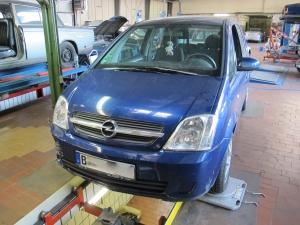Opel Fahrzeug Unfallinstandsetzung